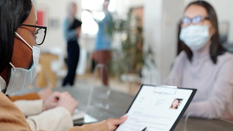Notícia: Antes de contratar, confira essas dicas