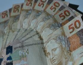 Notícia: Decreto confirma prorrogação de auxílio emergencial e MP libera R$ 101,6 bi para pagamentos